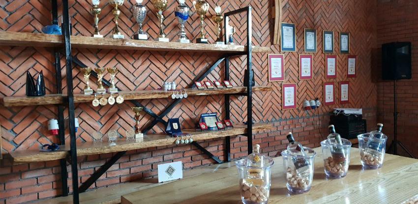 Spoj tradicije i tehnologije: Rakija braće Džuveleković osvaja tržište regiona