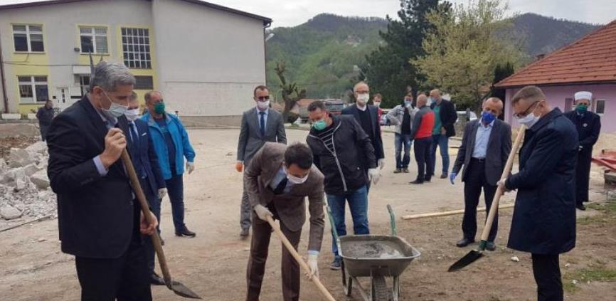 Položen kamen temeljac za novu fiskulturnu salu u Željeznom polju