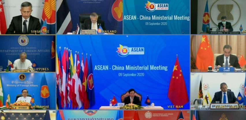 Pompeo pozvao članice ASEAN-a na prekid veza sa kineskim poduzećima