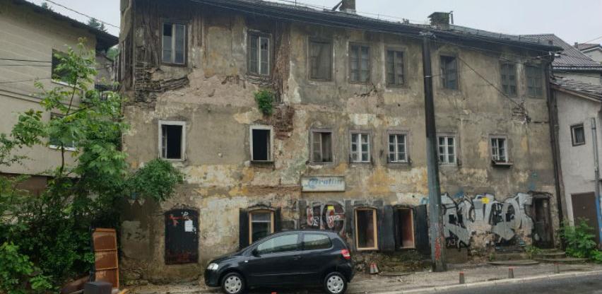Općina Stari Grad uklanja opasni ruševni objekat, stanarke odbijaju iseljenje