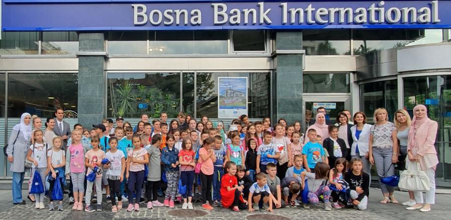 Posjeta školaraca iz Srebrenice BBI banci u Sarajevu