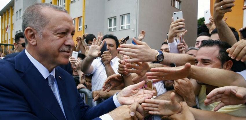 Erdogan odnio pobjedu na predsjedničkim i parlamentarnim izborima