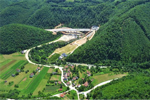 Krajem ljeta autocestom od Zenice do vrata Hecegovine