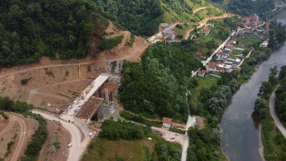 Pogledajte šta je do sada urađeno na poddionici Vranduk – Ponirak (VIDEO)