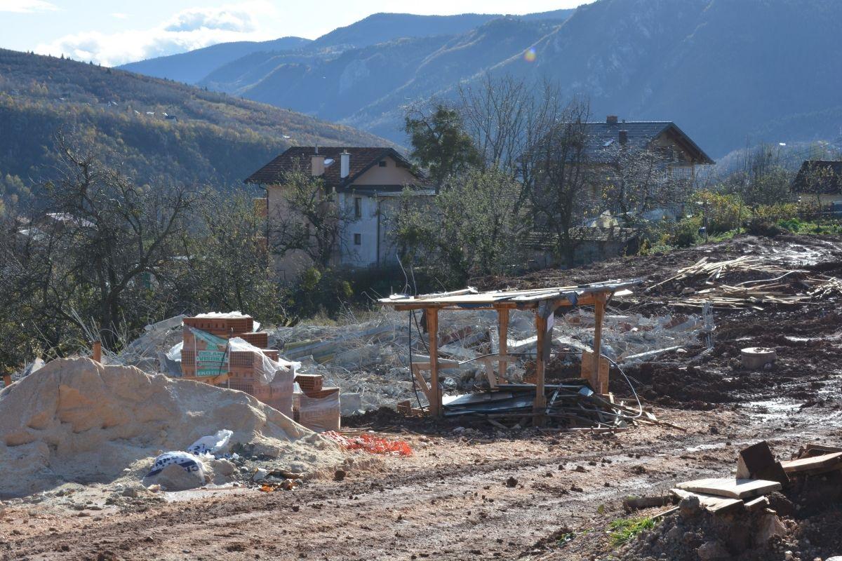 Počelo rušenje objekata naselja 'Saraya Resort' na Hladivodama