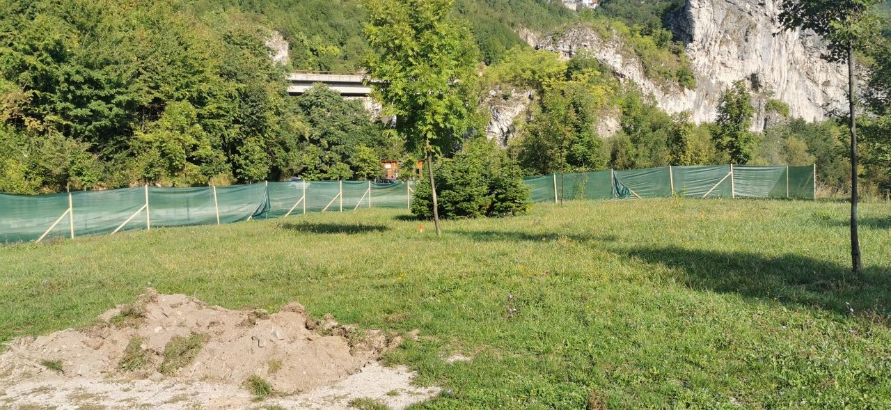 U Aleji ambasadora počela izgradnja Parka mira