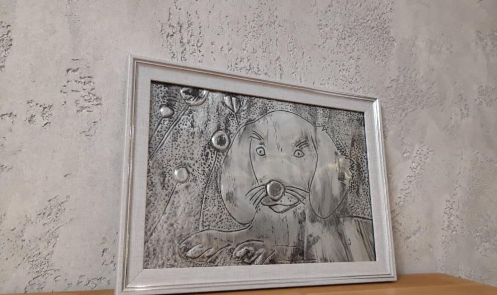Ajna Dedić crtanjem na aluminijskoj foliji pomaže životinjama
