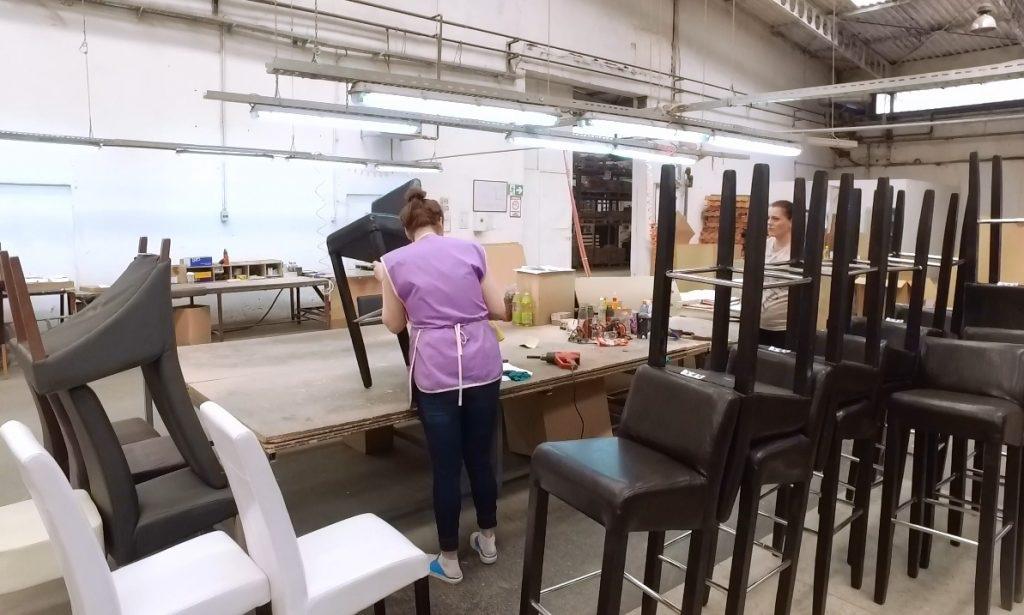 Firma iz Turbeta mjesečno na englesko tržiste izveze 5.000 stolica