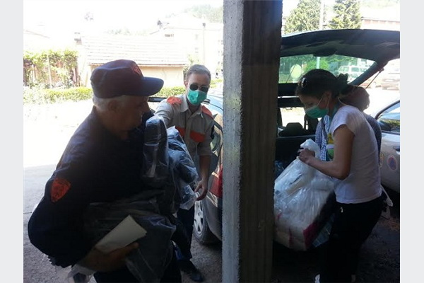 INZA i Pro Team: Prikupljanje i isporuka humanitarne pomoći