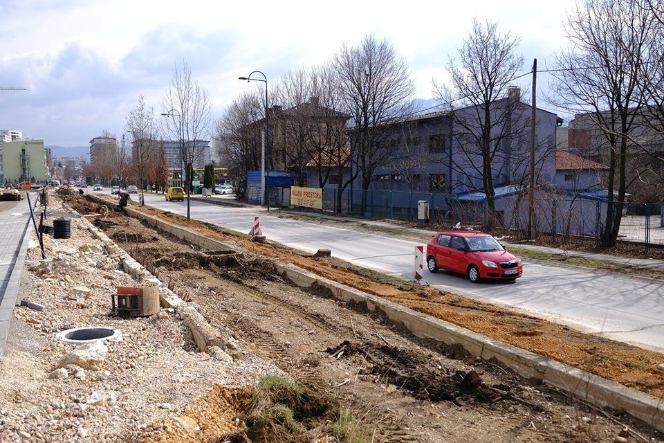 Pripremni radovi za rekonstrukciju i proširenje ulice Džemala Bijedića (Foto)