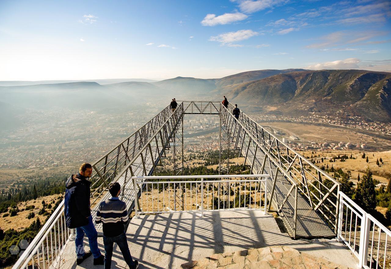 Čarobni pogled i adrenalin: Završavaju se radovi na mostarskom skywalku (FOTO)