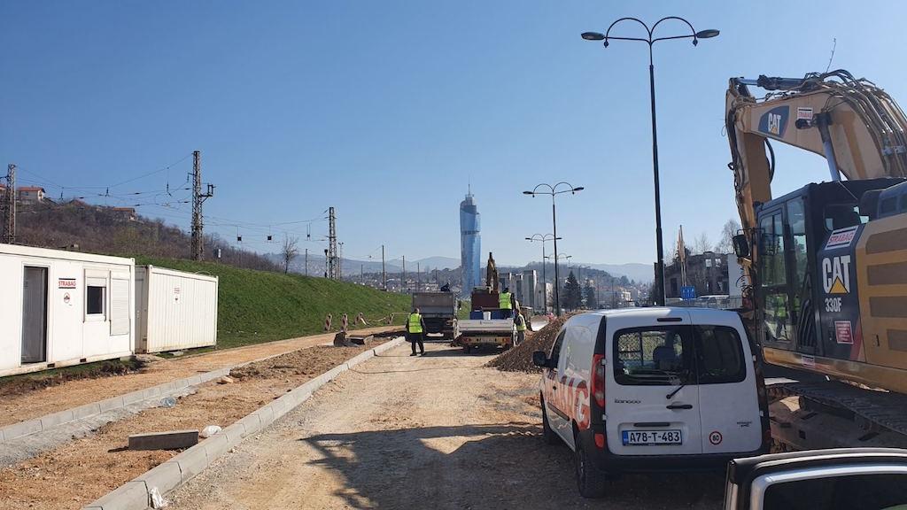 Gradnja kružnog toka kod zgrade Energoinvesta teče ubrzano