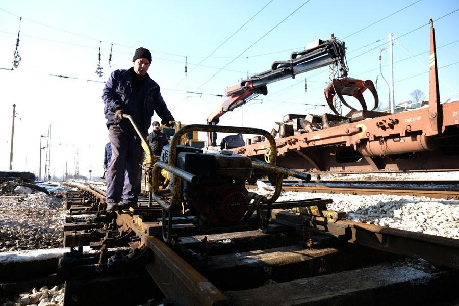 Radnici Euro-Asfalta završili montiranje mosta na IX transverzali