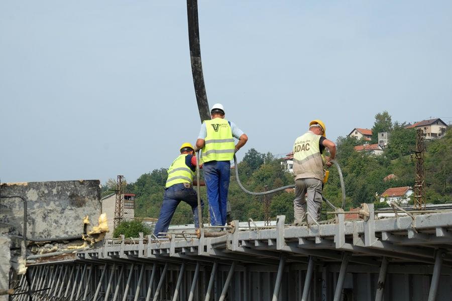 Napreduju radovi na izgradnji mosta na 9. transverzali