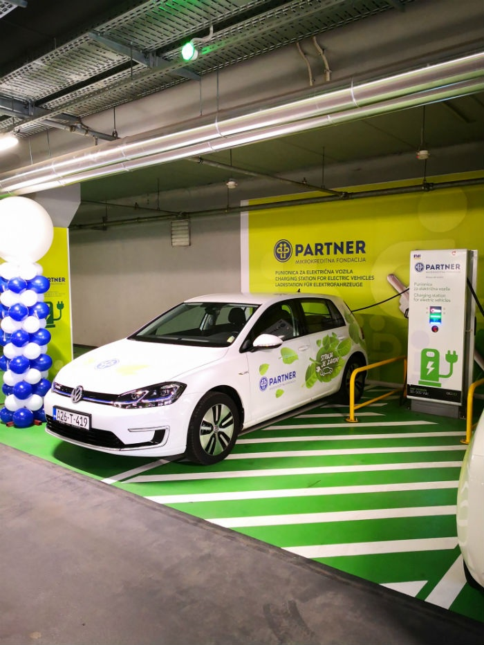 Partner MKF i Bingo otvorili punionicu za električna vozila