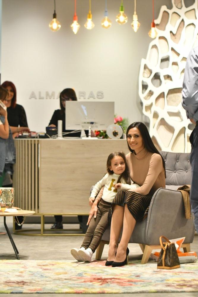 Zavirite u moderno opremljeni enterijer novootvorenog Alma Ras butika