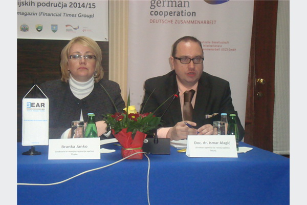 Branka Janko, direktorica Razvojne Agencije Žepče i Ismar Alagić, direktor Agencije za razvoj Općine Tešanj