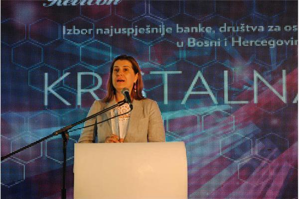Dobitnici Kristalne Prizme za 2015. UniCredit Bank, Euroherc i MKF Partner