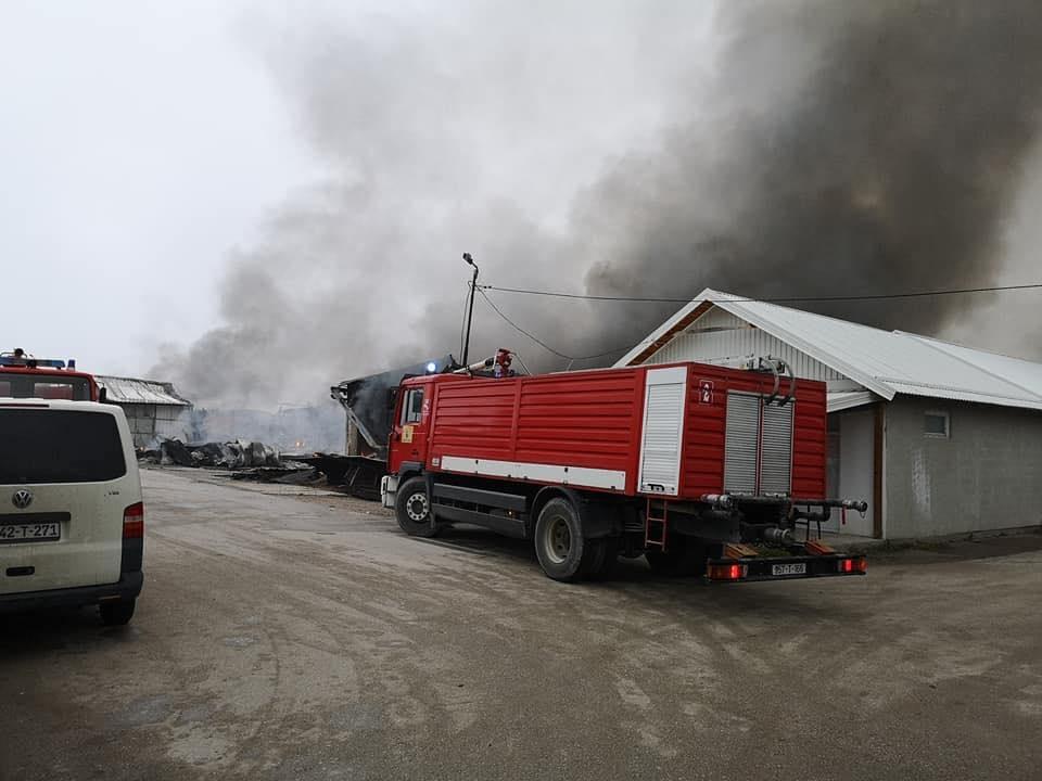 Višemilionska šteta: Lokalizovan požar na pijaci Arizona