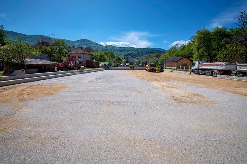 Izgradnja sportskog igrališta u MZ Donji Hadžići odvija se predviđenom dinamikom