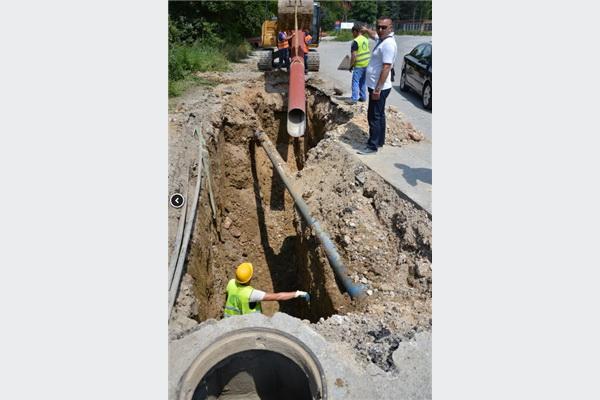 Nastavljena rekonstrukcija saobraćajnice u ulici Adema Buče
