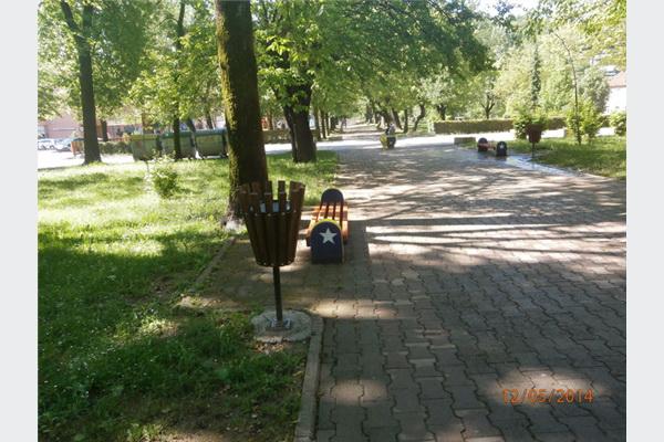 Uređen gradski park u Velikoj Kladuši
