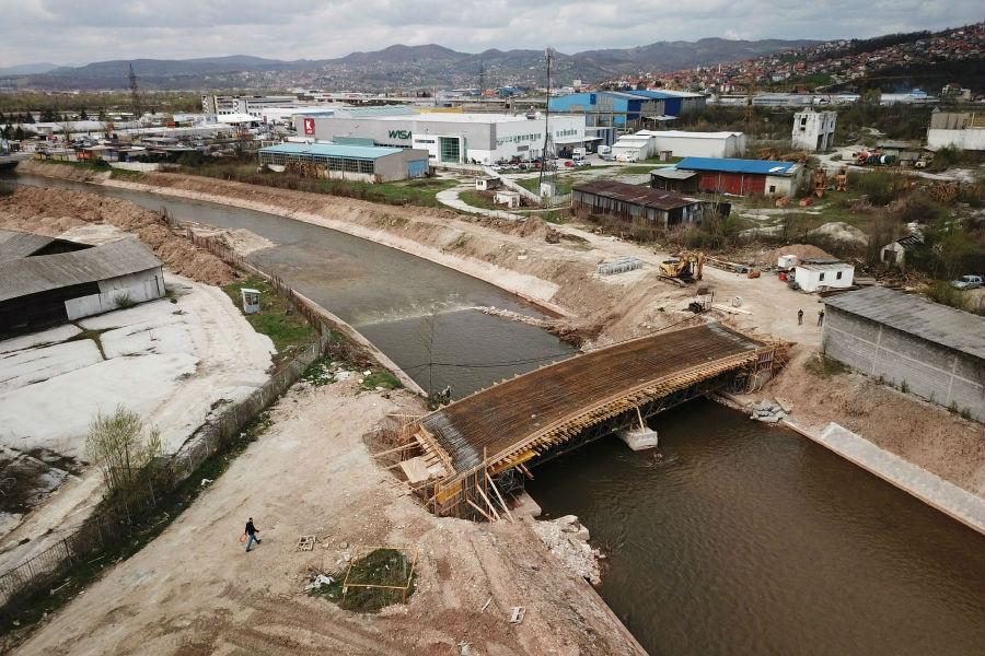 Završena konstrukcija i betoniranje novog mosta u Halilovićima