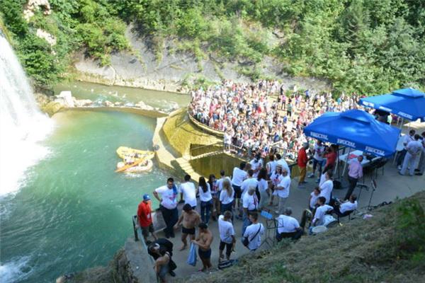 Uspješno završeni 1. međunarodni skokovi sa vodopada u Jajcu