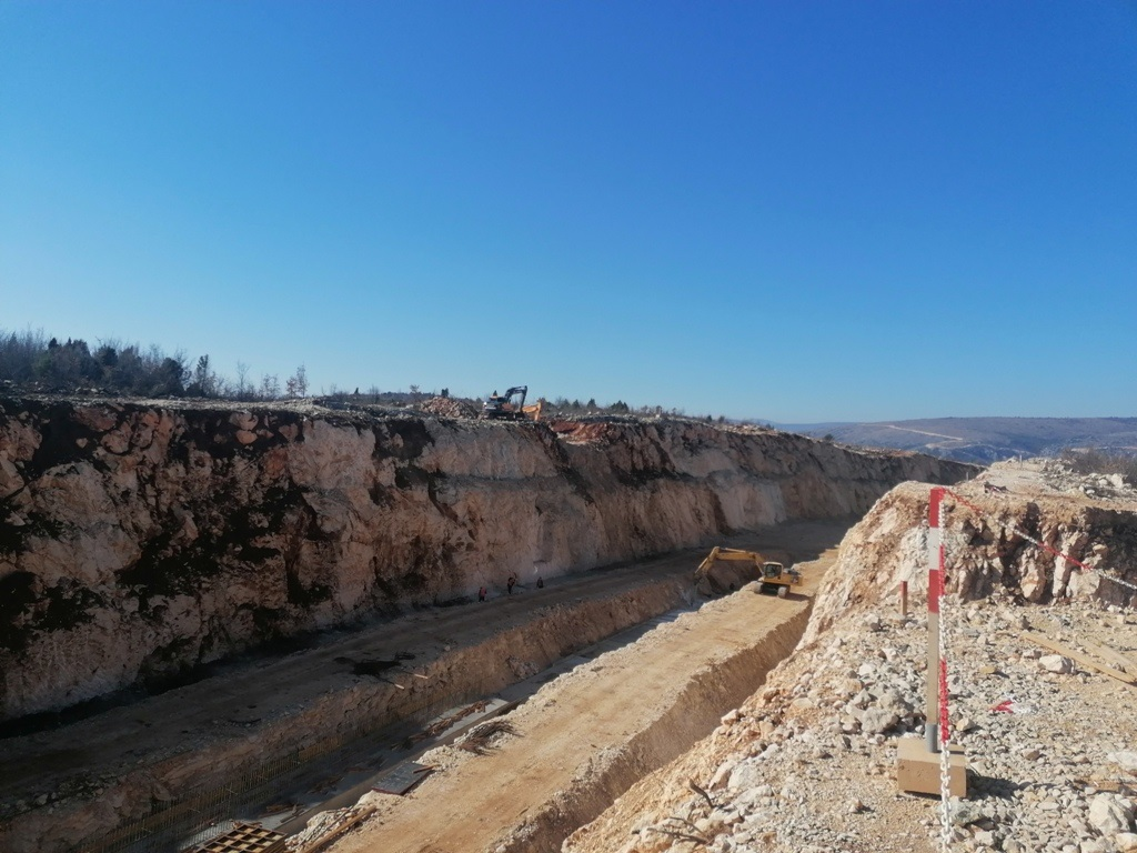 Aktivni radovi na izgradnji autoceste na poddionici Počitelj – Zvirovići (Foto)