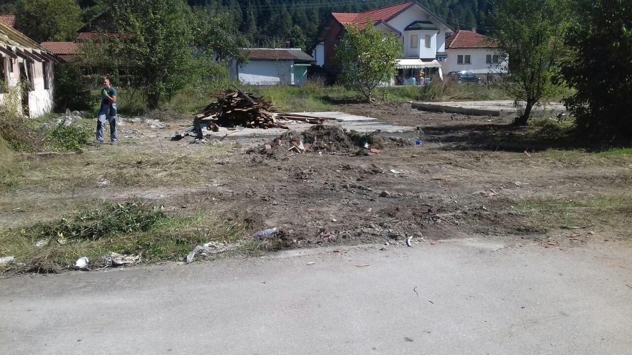 Počelo uklanjanje objekata bivšeg kolektivnog centra Omerdino polje u Maglaju
