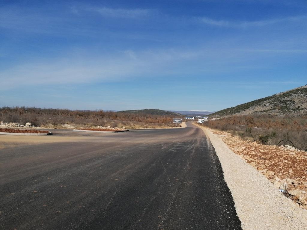 Pogledajte radove na regionalnoj cesti Tromeđa - Zvirovići