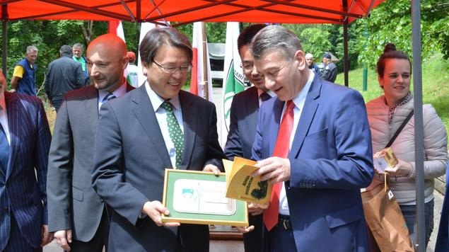 Ambasadori Japana, Poljske, Mađarske i Slovačke zasadili svoja stabla lipa