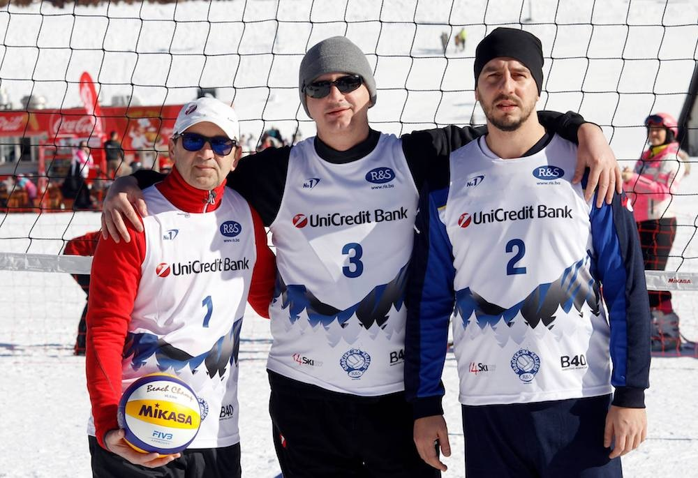 Na Bjelašnici održan menadžerski turnir 'R&S odbojka na snijegu 2019'