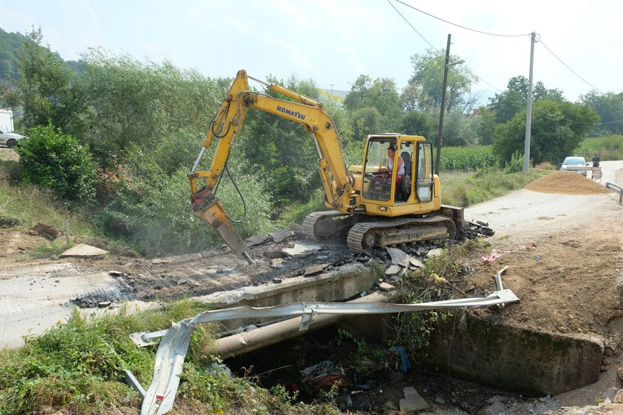 U Reljevu se radi sanacija Paljevske ulice i proširenje mosta na ulazu u naselje