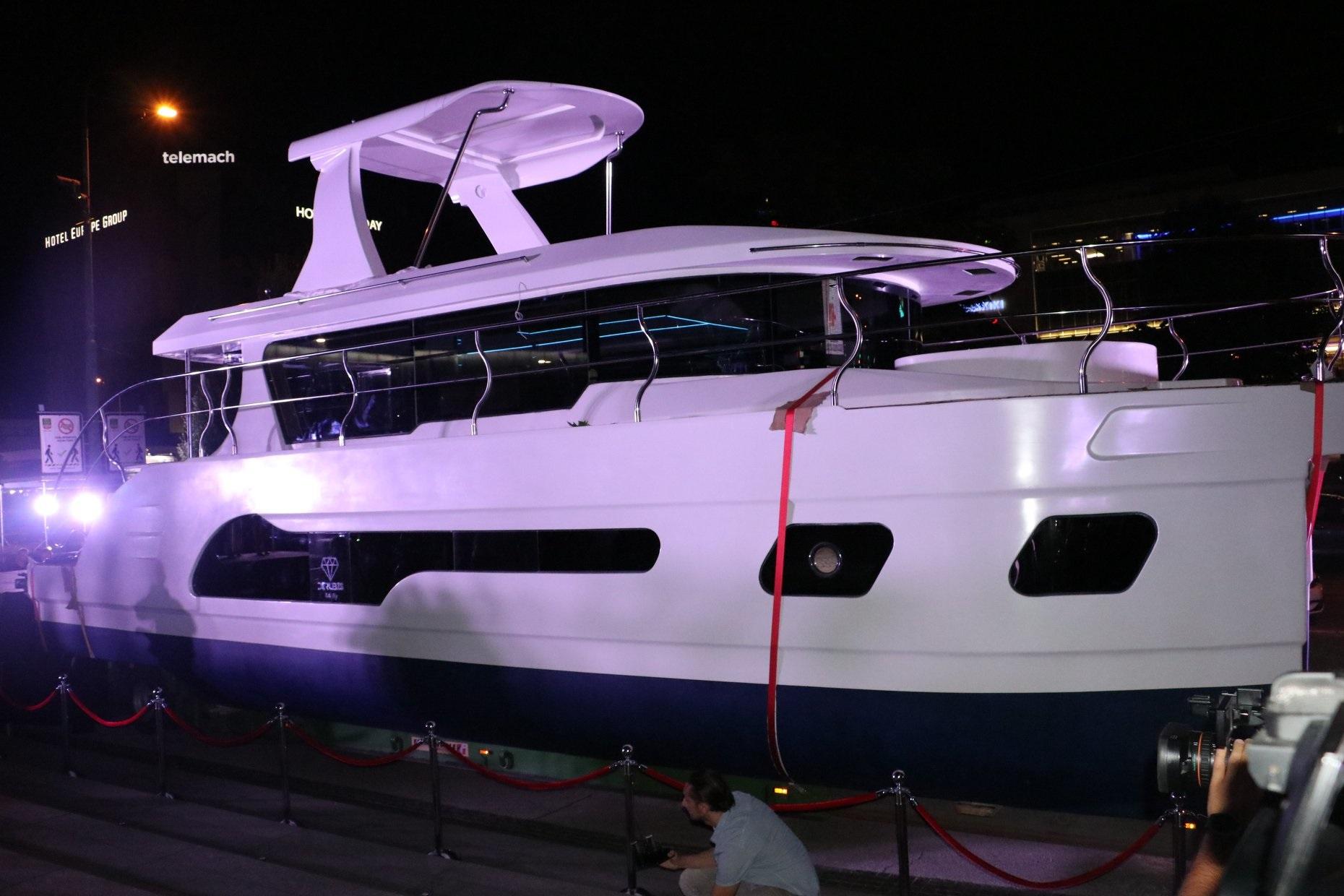 U Sarajevu predstavljen novi model jahte bh. firme Derubis Yachts
