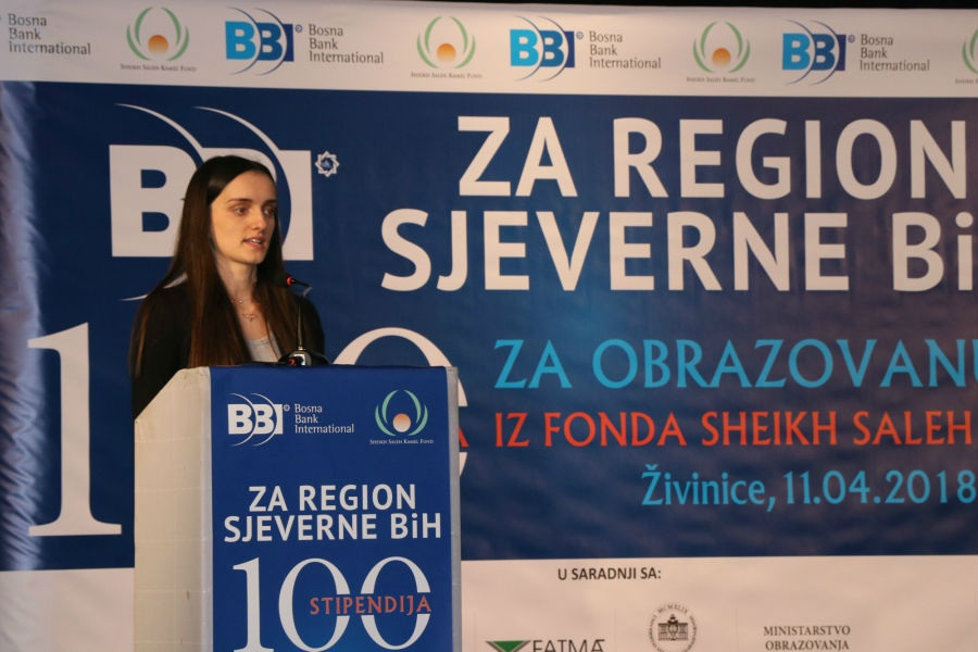 100 djece bez roditelja s područja tuzlanske regije dobilo BBI stipendije
