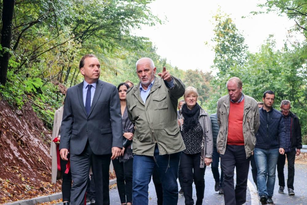 Svečano otvorena cesta Hrasnica - Zoranovići