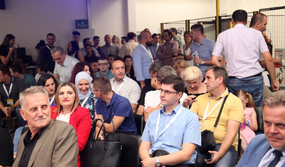 Drugi Innovation cafe u Tuzli: 'Razgovor u liftu' pred investitorima