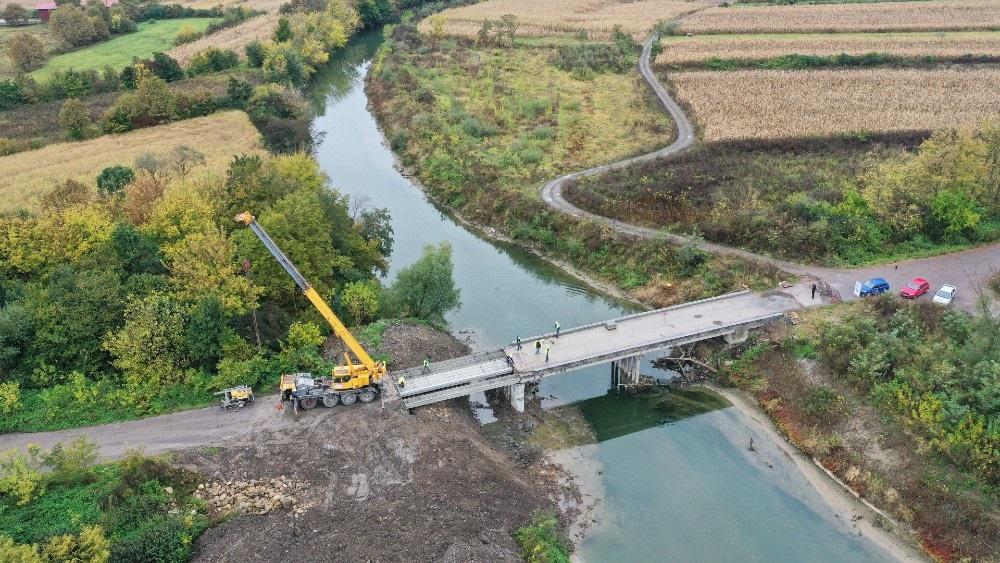 Širbegović završio montažu mostovskih nosača između Gračanice i opštine Petrovo