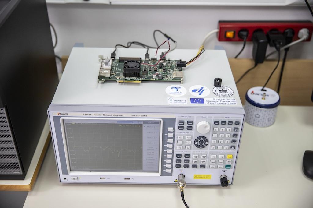 Elektrotehnički fakultet uspješno instalirao 5G telekomunikacijsku opremu