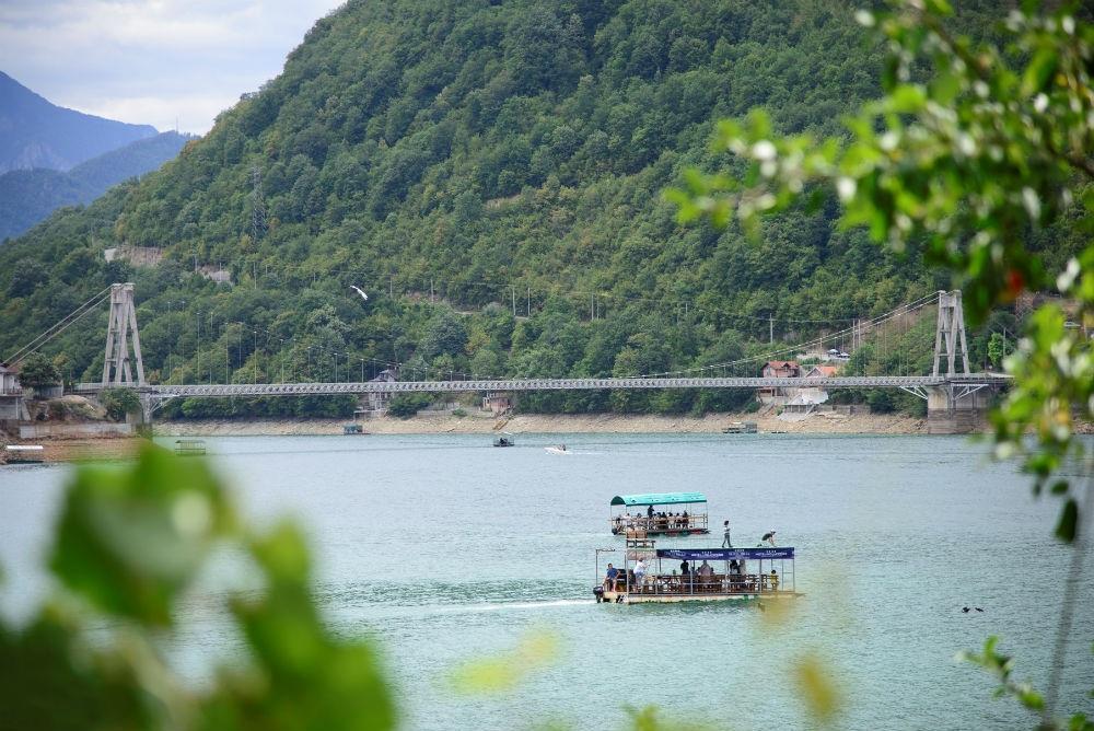 Poboljšanje usluga u turizmu kroz projekt 'Razvoj turizma na tri jezera'