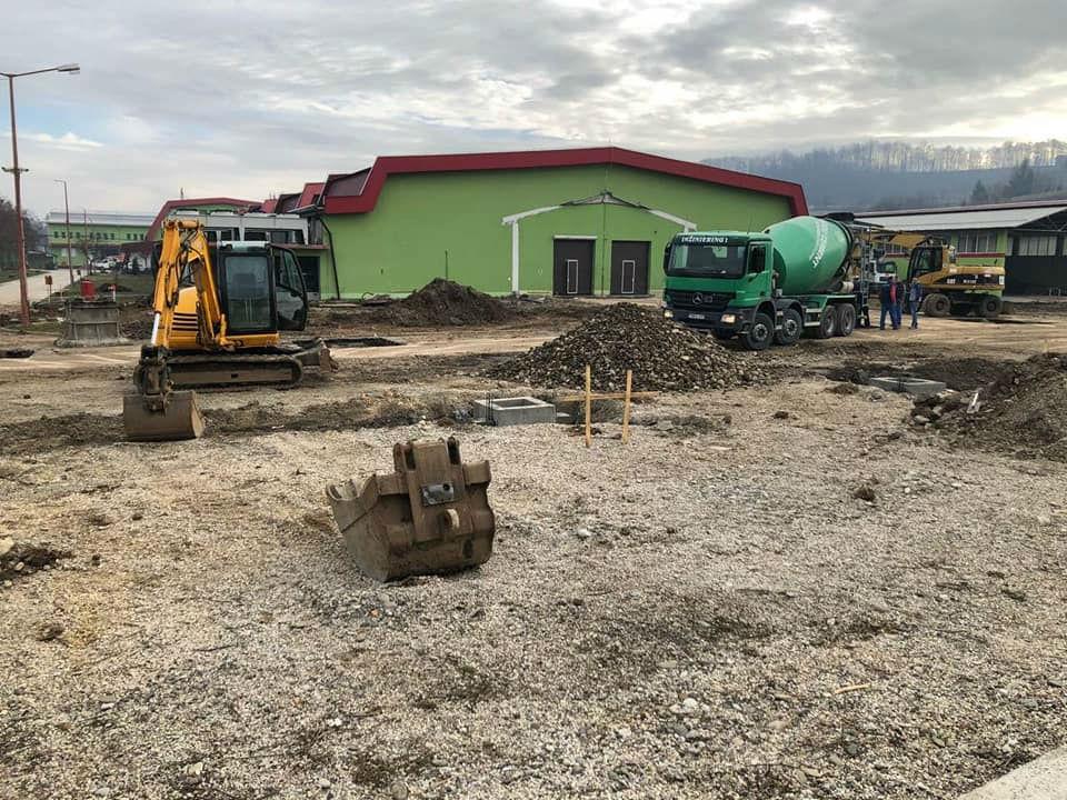 Madi gradi prvu fabriku za proizvodnju panirane i pohovane piletine u BiH