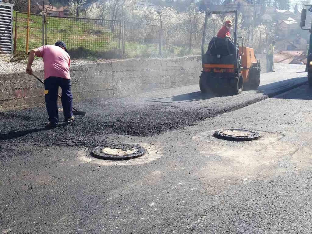 U toku završno asfaltiranje saobraćajnice u ulicama Ljubljanska i Trebevićka