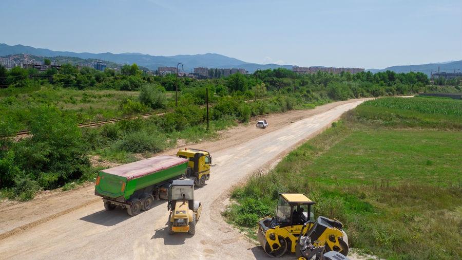 U toku asfaltiranje ceste prema poslovnoj zoni Telalovo Polje