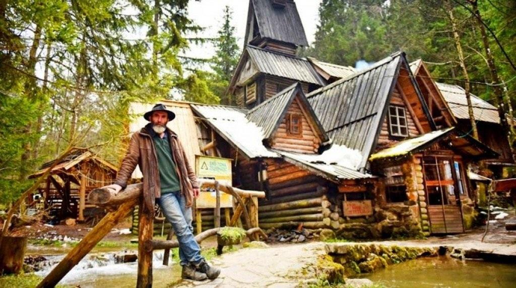Zelenkovac: Prekrasna eko zona s drvenim bungalovima i šumom