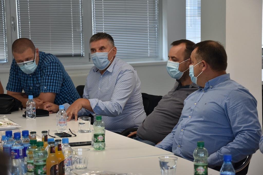 Delić posjetio privrednike u Vogošći: Poboljšanje uslova poslovanja u industrijskim zonama KS