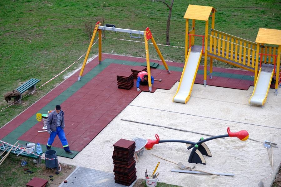 Pri kraju rekonstrukcija dječijeg igrališta u Gradačačkoj ulici na Čengić Vili