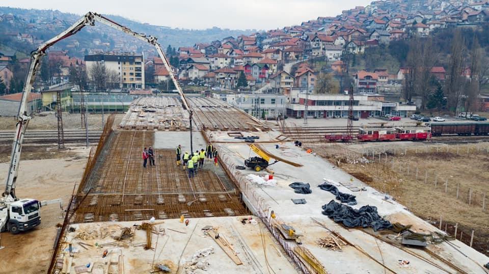 Pogledajte radove na IX transverzali: Radi se betoniranje kolovozne ploče