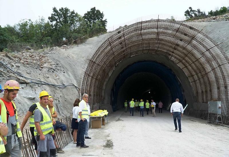 Probijen tunel Žaba kod Neuma