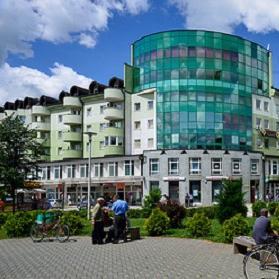 Otvara se niz mogućnosti za potencijalne investitore, koji imaju namjeru ulagati u razvoj privrede i pokretati nove poslovne aktivnosti u općini Sanski Most.
